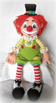 "Кукла вязаная-клоун""Моня"" / Авторские куклы (ООАК) / Шопик. Продать купить куклу / Бэйбики. Куклы фото. Одежда для кукол"