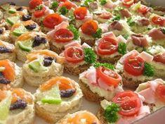 Slané chuťovky – Domácí tvoření Bruschetta, Finger Foods, Spinach, Sushi, Sandwiches, Cheesecake, Food And Drink, Healthy Recipes, Cooking
