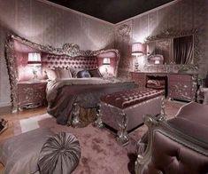Feminine Bedroom Romantic Ideas_37
