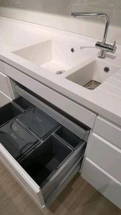 Kitchen Pantry Design, Diy Kitchen Storage, Modern Kitchen Design, Bathroom Interior Design, Kitchen Interior, Interior Design Living Room, Kitchen Modular, Modern Kitchen Cabinets, Home Decor Hooks