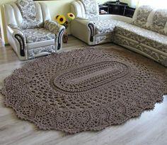 Crochet beautiful and unusual brown rug for home. Free patterns for crochet brown rug Crochet Home Decor, Crochet Crafts, Crochet Doilies, Crochet Projects, Knit Crochet, Easy Crochet, Crochet Books, Crochet Stitch, Crochet Cushions