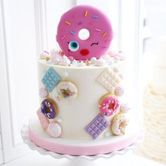 More donuts! 4th Birthday Cakes, Donut Birthday Parties, Homemade Birthday Cakes, Donut Party, Ballerina Cakes, Valentines Day Cakes, Doughnut Cake, Drip Cakes, Occasion Cakes