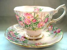 Royal Albert Fine Bone China Teacup and Saucer Tea Cup Set, My Cup Of Tea, Cup And Saucer Set, Tea Cup Saucer, Royal Albert, China Tea Sets, Bone China Tea Cups, Teapots And Cups, Tea Service