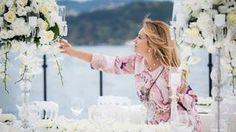Meltem Tepeler arranging flowers # flowerarrangements # meltemtepeler #kmevents #weddings