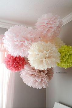 How to make huge pom poms with tissue paper!