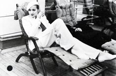 Marlene Dietrich on the SS Europa in Cherbourg, France, 1933 Hollywood Glamour, Hollywood Star, Vintage Hollywood, Hollywood Actresses, Hollywood Fashion, Marlene Dietrich, Divas, Jean Harlow, National Portrait Gallery