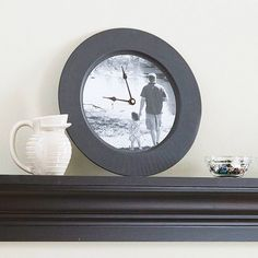 FROM BHG: To create the photo clock.Remove the numbers and hands from a clock face, size and print a photo, attach it with double-stick tape, and replace the hands. Homemade Fathers Day Gifts, Fathers Day Presents, Fathers Day Crafts, Gifts For Father, Diy Gifts, Handmade Gifts, Crafts To Make, Easy Crafts, Crafts For Kids