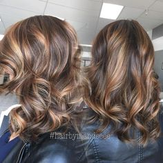 I make girls beautiful ❤️ #redkencolor #behindthechair #modernsalon #hairbrained #allaboutdahair #flashlift #colorfusion #caramelhair #dimensionalcolor #balayage #handpainted #colormelt #ombre #fallhair #lovemyjob
