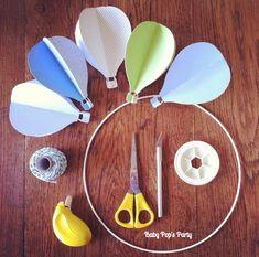 DIY .. Mes petites montgolfières .. Mobile de chambre pour bébé Interior Design Layout, Restaurant Interior Design, Décoration Baby Shower, Decoration Creche, Baby Pop, Diy Bebe, Baby Couture, Button Crafts, Paper Toys
