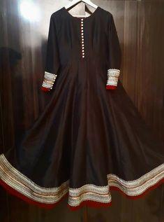 Make in order in any shade Source by fashion pakista… - Pakistani dresses Fancy Dress Design, Girls Frock Design, Stylish Dress Designs, Designs For Dresses, Pakistani Fashion Party Wear, Indian Fashion Dresses, Dress Indian Style, Indian Designer Outfits, Beautiful Pakistani Dresses