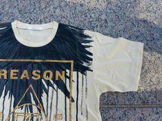تيشيرت فيذرز فيد من ماركة ريزون جديد السعر ريال للطلبات والاطلاع على جميع المنتجات والاسعار التواصل عبر Mens Tops Mens Tshirts Mens Graphic Tshirt
