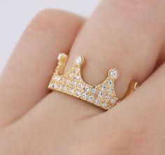 Anel Coroa Banhado a Ouro com cristais {ENCOMENDA} - Detalhe Azul