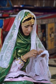 Middle east Traditional Clothing   Sumail, Oman, Arabian Peninsula, Middle East - Omani Woman from Sumail ...