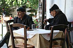 Πρωινός καφές στον Ψηλορείτη ! Μια καλημέρα Ανωγειανή! Περισσότερη αυθεντική Κρήτη στο www.fb.com/festivalaki.gr  Good morning from the Kafeneios of Anogia village, Psiloritis