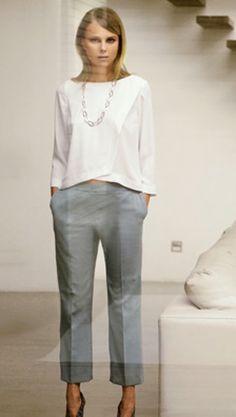 Le blanc couleur indispensable dans notre garde robe, burda style vous propose plusieurs modèles à coudre look chic et d'une élégance absolue ! Le total Look White ! C'est par ici !