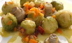 Receta de coles de bruselas con champiñones, un plato tradicional con jamón serrano y su salsa de vino blanco. Receta de Karlos Arguiñano