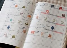 In Japanese but lots of great and graphic ideas for grid/Hobonichi planner pages Planner Tips, Life Planner, Doodle, Travel Sketchbook, Hobonichi Techo, Bullet Journal Printables, Stationery Craft, Planner Organization, Pen And Paper