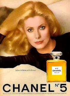 1973 Chanel NO 5 Perfume With Beautiful Catherine Deneuve Vintage Print AD Orig Vintage Chanel, Vintage Beauty, Vintage Ads, Vintage Posters, Vintage Advertisements, Vintage Perfume, Perfume Chanel, Perfume Ad, Perfume Bottle