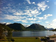 A Must for any bucket list. Great home away from home for western Norge fjord adventures Best Western, Home And Away, Norway, Westerns, Beautiful Places, Bucket, Spaces, Adventure, Mountains