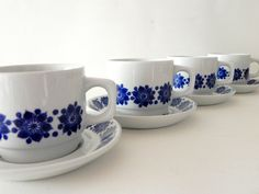 Figgjo Flint Norway porcelain cups and saucers. Scandinavian mid century design.