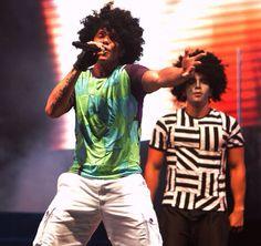 Netinho em 2009 no palco na segunda noite de gravação do seu DVD Netinho e a Caixa Mágica em Aracaju/SE. Música Sai de Mim. Criação e Direção Netinho.