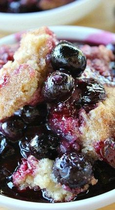 Blueberry Cobbler - A super easy dessert which is loaded with juicy blueberries, has a crunchy topping, tastes amazing and can be on your table in no time! Blueberry Cobbler Recipes, Fruit Cobbler, Blueberry Desserts, Fruit Recipes, Baking Recipes, Sweet Recipes, Dessert Recipes, Blueberry Cobbler Bisquick, Blueberry Cobler