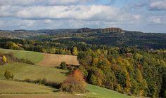 Warum lohnt es sich, die Fränkische Schweiz und ihre Sehenswürdigkeiten zu besuchen? Anders als beim Bayerischen Wald sind nicht nur Berge und Hügel ...