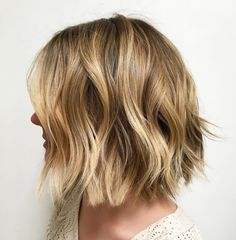 Textured Bob with Blunt and V-Cut Ends
