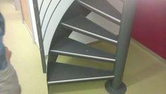 Teppich auf Eisentreppe