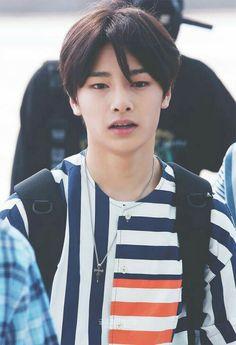 Holy fuck oh my god oh my god why. Ok but he looks so much like Hyunjin here what Jooheon, Lee Min Ho, K Pop, Shinee, Got7, Kim Woo Jin, Kids Wallpaper, Lee Know, Lany