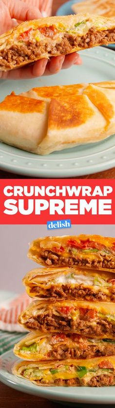 Supreme This is how to make a Taco Bell Crunchwrap Supreme at home. Get the recipe in .This is how to make a Taco Bell Crunchwrap Supreme at home. Get the recipe in . Meat Recipes, Mexican Food Recipes, Cooking Recipes, Recipies, Taco Bell Recipes, Mexican Dishes, I Love Food, Good Food, Yummy Food