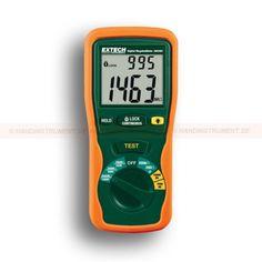 http://termometer.dk/elektrisk-testvarktoj-r12676/megaohmmeter-med-sporbart-kalibreringscertifikat-380-260-53-380260-NIST-r12728  Megaohmmeter med sporbart kalibreringscertifikat 380.260  250V, 500V og 1000V prøvespænding  Isolationsmodstanden 2000MOhm  Lo Ohm funktion til test tilslutninger  Lås Power On Funktion til håndfri brug  Data hold at fryse den viste aflæsning  Produkter med en sporbar kalibrering certifikat har 5 ugers leveringstid Garanti: 2 År Leveringstid: 4-5 Uger