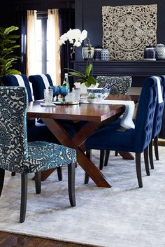 The One Thing to Do for Vintage Dining Table Design Ideas DIY - neweradecor Dining Room Blue, Dining Room Table Decor, Elegant Dining Room, Luxury Dining Room, Dining Table Design, Modern Dining Table, Dining Chairs, Room Decor, Small Dining