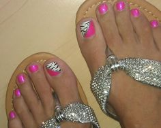 #pinterestcopy pink and zebra toenail design