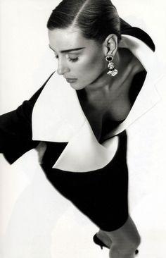 Fondazione Gianfranco Ferré / Collections / Woman / Prêt-à-Porter / 1991 / Fall / Winter