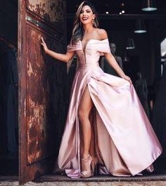 Vestido de festa ombro a ombro (estilo princesa) Gorgeous Prom Dresses, Sparkly Prom Dresses, Pink Party Dresses, Tulle Prom Dress, Strapless Dress Formal, Bridesmaid Dresses, Prom Dresses Online, Dream Dress, Evening Dresses