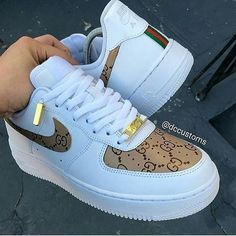 20 Shoes shoes High Heels For College - - Stylische schuhe - Sapatos Dr Shoes, Cute Nike Shoes, Swag Shoes, Cute Sneakers, Hype Shoes, Shoes Sneakers, Gucci Shoes, Brown Nike Shoes, Nike Custom Shoes