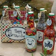 Soda Bottle Gift Set {Father's Day}    This Father's Day, make Dad this yummy gift set – he's sure to love it more than a necktie.  Fill clean soda bottles with his favorite treats and use these free printables to make the labels and carrier.