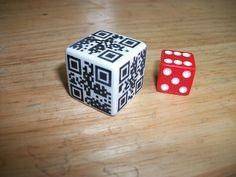 #QR Code Dice / es lassen sich sogar zwei Seiten des Würfels scannen!