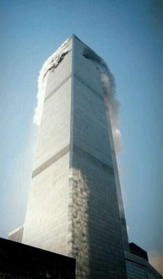 Moments After the First Plane World Trade Center Photo Archives (Official) posted a photo: by :World Trade Center Photo Archives (Official) World Trade Center, Trade Centre, We Will Never Forget, Lest We Forget, Turm Von Babylon, Jolie Photo, September 11, God Bless America, Photos Du