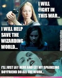Lord of the Rings/Harry Potter/Twilight's leading ladies. Just proves that Lord of the Rings and Harry Potter is better. Twilight Harry Potter, Twilight Jokes, Twilight Series, Ridiculous Harry Potter, Harry Potter Jokes, Funny Quotes, Funny Memes, Hilarious, Memes Humor