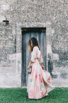 Feminine long floral maxi dress