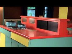 A little video on the history of the Wilsnonart Mid Century laminate house.