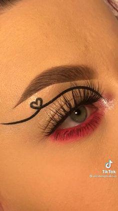 Doll Eye Makeup, Cute Eye Makeup, Dope Makeup, Indie Makeup, Makeup Eye Looks, Eyeliner Looks, Creative Makeup Looks, Eye Makeup Art, Contour Makeup