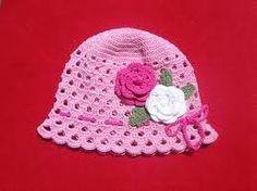 ružová čepice s kvetinkami