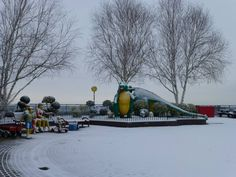 The LEGOLAND Windsor Resort has woken up to a beautiful dusting of snow!