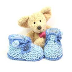 Chaussons bébé bleus façon babies taille 3 mois Tricotmuse : Mode Bébé par tricotmuse