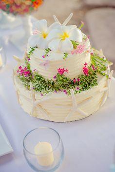 beautiful two tier beach themed wedding cake