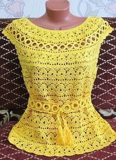 Yellow crochet blouse - Blusa crochet amarilla