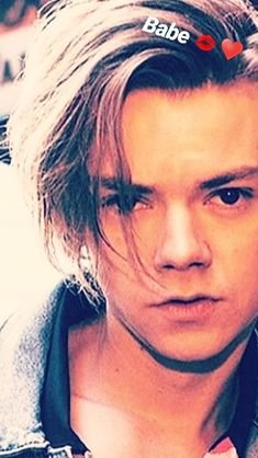 His long hairrrrrrrr!!